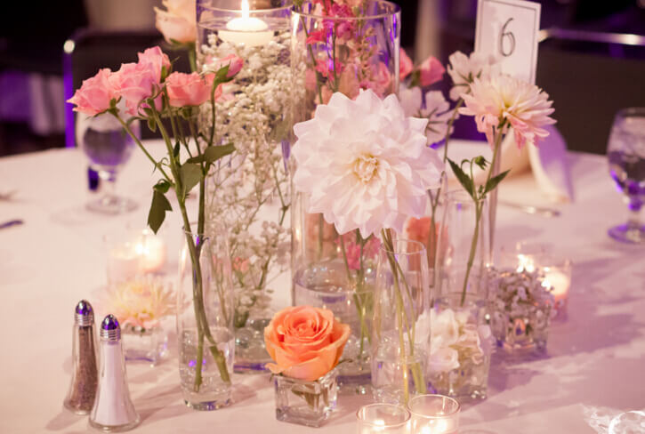 Diy Simple Centerpiece Decorate The Round Table Centerpieces With Easy