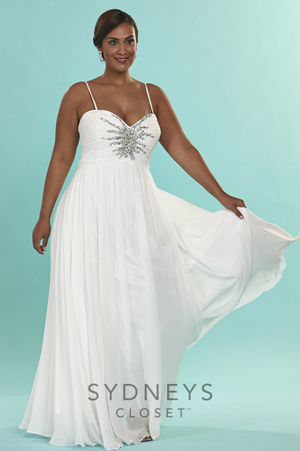 19 Plus Size Wedding Dresses-For Our Curvy Girls - EverAfterGuide
