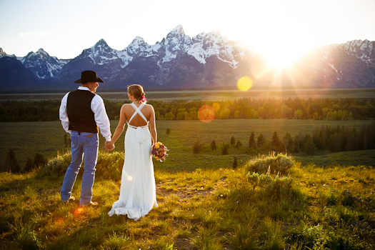 This Location Offers Gorgeous Outdoor Wedding Ceremony And Great Activities Like Hot Air Ballooning Or Just Soaking In The Springs For Guests To Enjoy