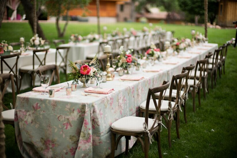 How To Decorate Your Wedding Tables