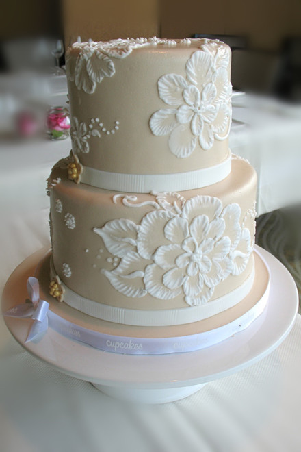 For your sweet wedding 20 affordable amazing wedding cakes 20 affordable amazing wedding cakes junglespirit Images