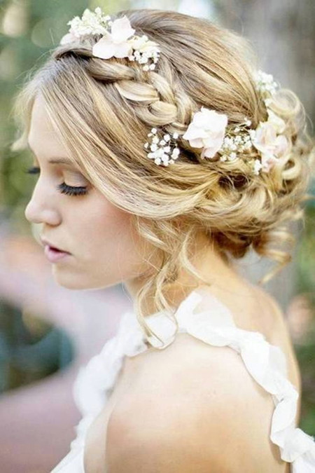 19 Gorgeous Wedding Hairstyles For Medium Hair Everafterguide
