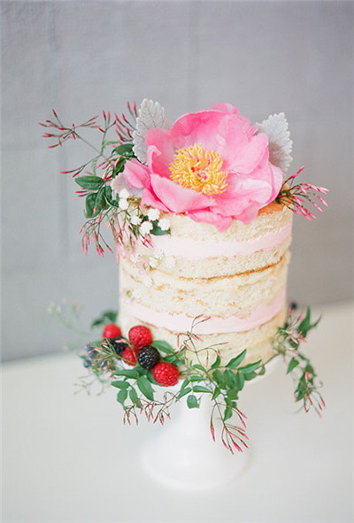 35 Most Stunning Flowery Wedding Cakes for a Dream Wedding