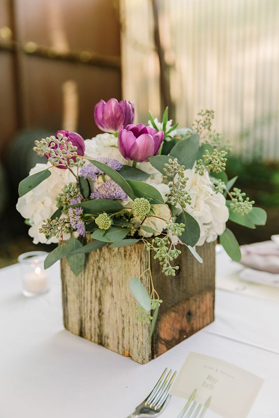 Delightful Rustic Wedding Centerpieces Part - 13: Old Wooden Boxes Are Easily Available And Also Quite Affordable. For A  Rustic Themed Wedding It Could Be Perfect With Artistically Arranged  Flowers.