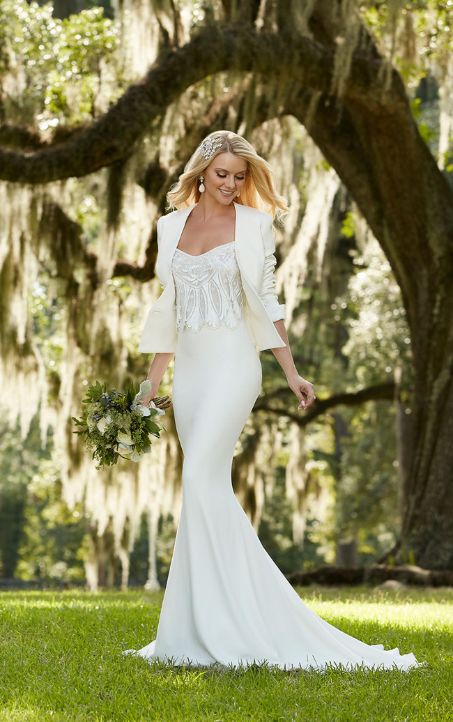 Elegant and Au Courant: 20 Long Sleeve Wedding Dresses of 2016 ...