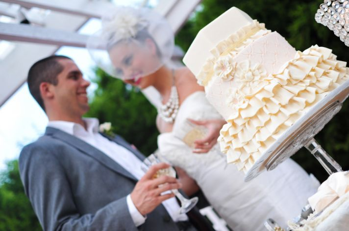 who cuts the wedding cake first shoud i cut the wedding cake before or after 27429