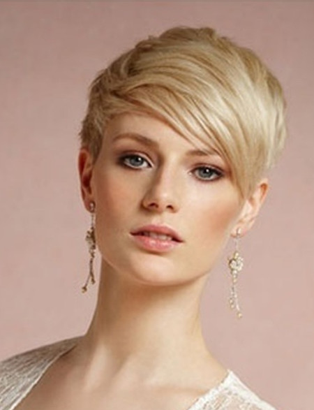 Pixie Wedding Hairstyle For Brides With Short Hair