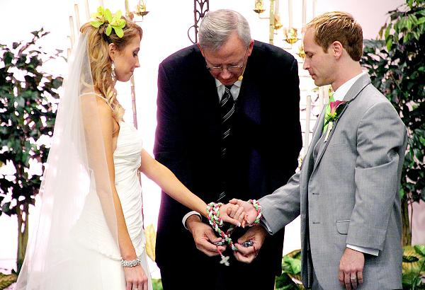 Irish wedding traditions and superstitions everafterguide hand fasting junglespirit Image collections