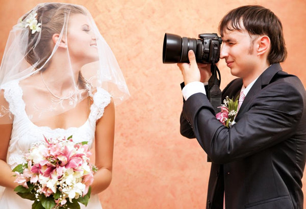 20 most important questions to ask wedding photographer everafterguide 20 most important questions to ask wedding photographer junglespirit Gallery