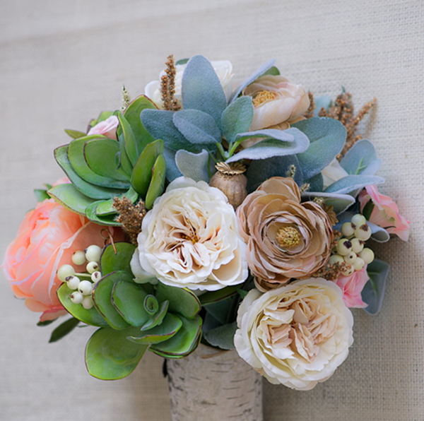 Wedding DIYs: How to Make a Wedding Bouquet - EverAfterGuide