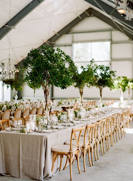 Maybe When You Picture Wedding Centerpieces Without Flowers Worry A Lack Of Color Will Make Your Décor Look Dull Think About Using Foliage And