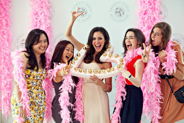 who should be invited to a bridal shower