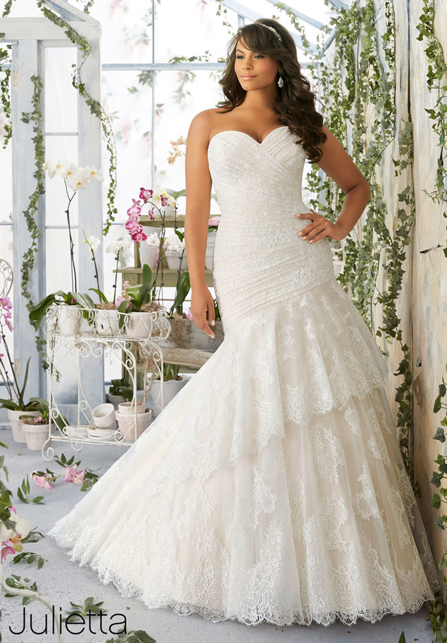 25 Best Curvy Wedding Dresses for Plus-Size Brides - EverAfterGuide