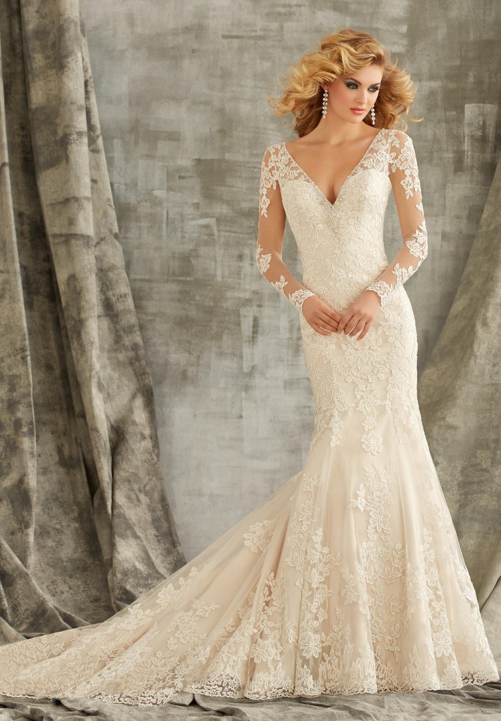 Petite wedding dress tips for our lovely petite girls for Long sleeve dresses to wear to a wedding