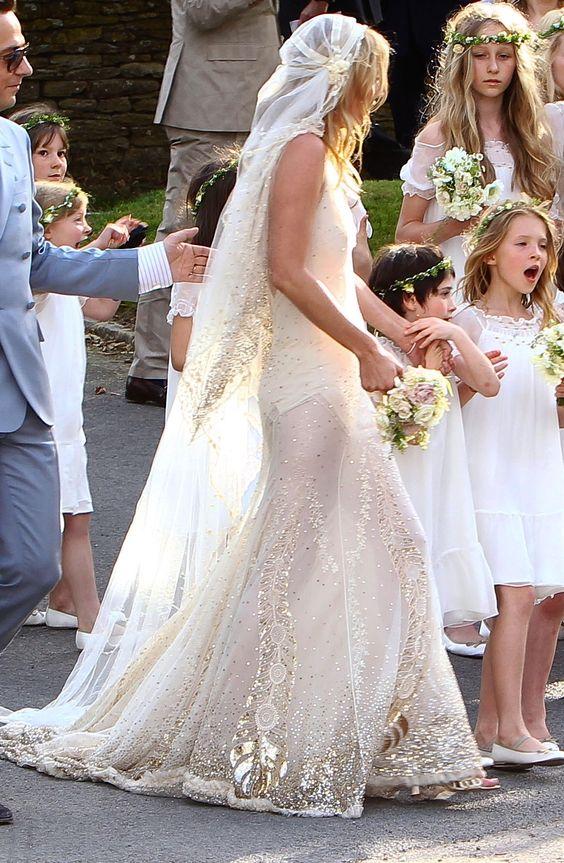 20 best celebrity wedding dresses everafterguide for Kelly clarkson wedding dress replica