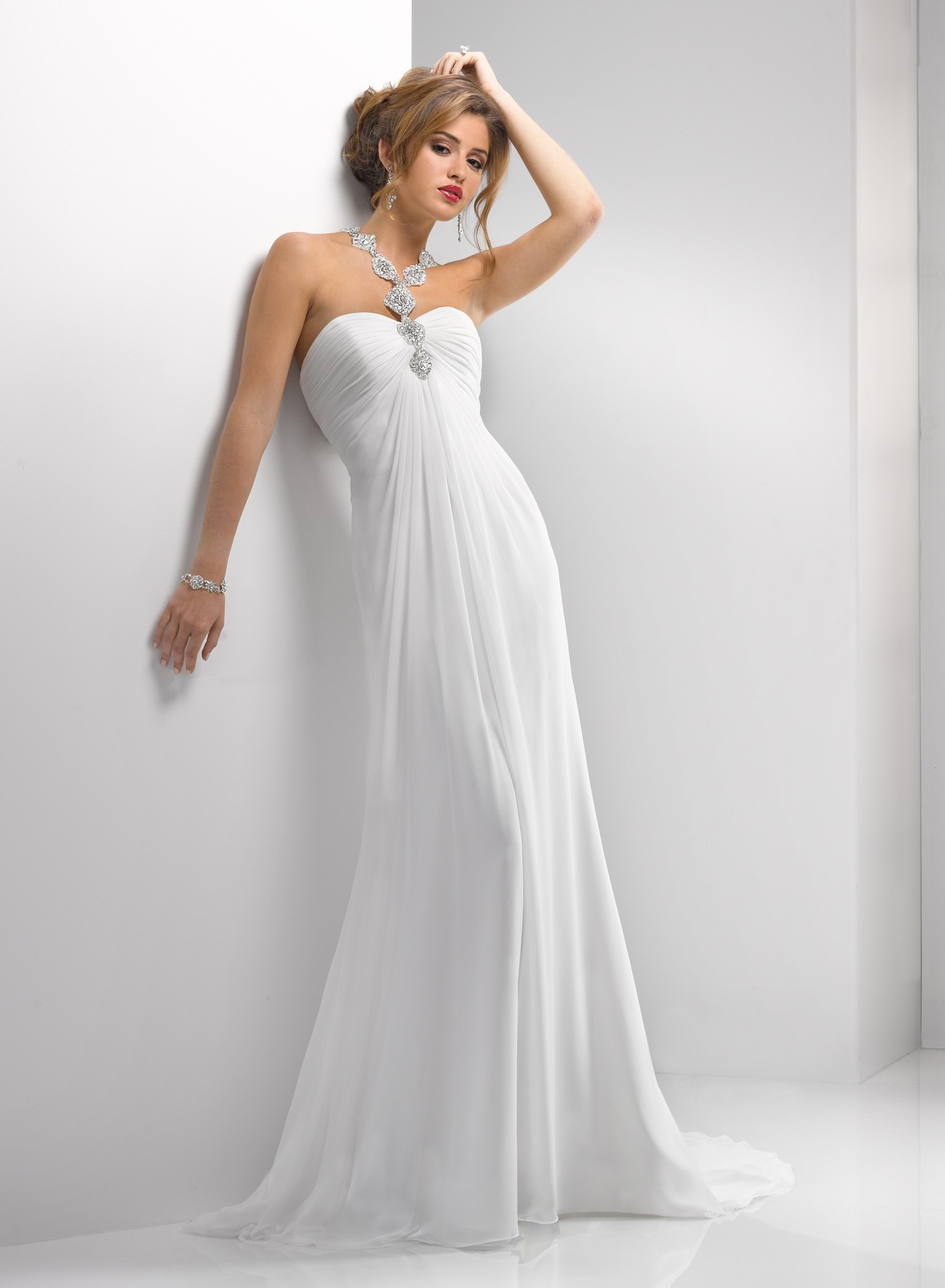 Petite wedding dress tips for our lovely petite girls for Skin tight wedding dresses