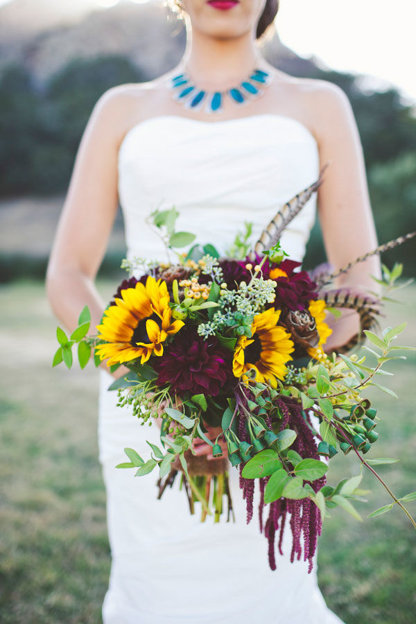Warmth and happiness 20 perfect sunflower wedding bouquet ideas warmth and happiness 20 perfect sunflower wedding bouquet ideas junglespirit Images