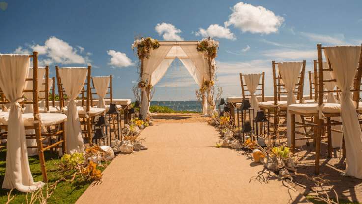 From Tropical To Cozy 11 Hawaii Wedding Venues