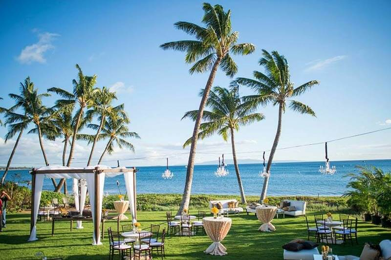 From tropical to cozy 11 hawaii wedding venues everafterguide sugar beach events junglespirit Images