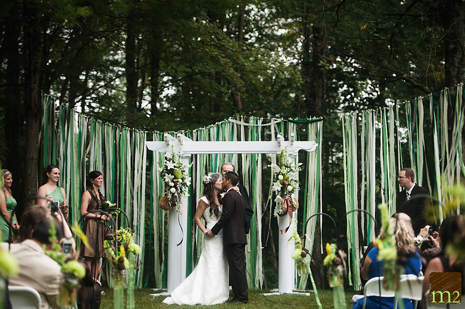 Backyard wedding has its own charm and charisma. With tons of unique backyard wedding ideas you can turn a cost-free location into a beautiful wedding venue.