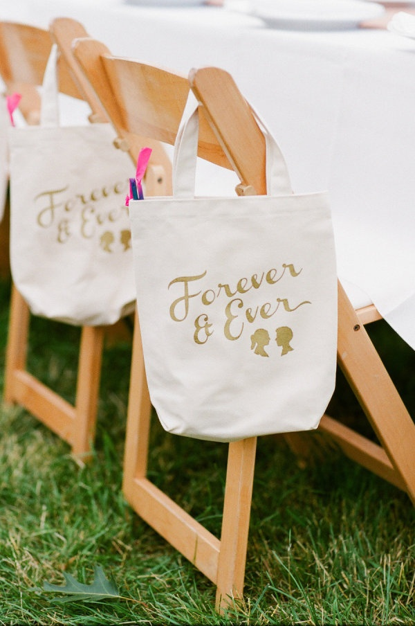20 Great Wedding Favors for Destination Weddings - EverAfterGuide