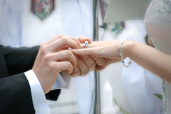 What Do You With Your Engagement Ring During The Ceremony