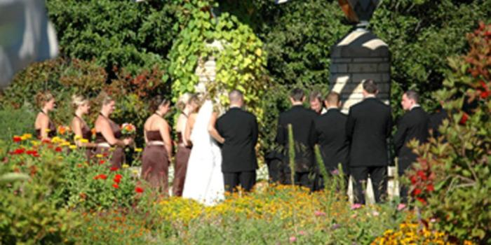 15 Romantic Outdoor Wedding Venues in Michigan EverAfterGuide