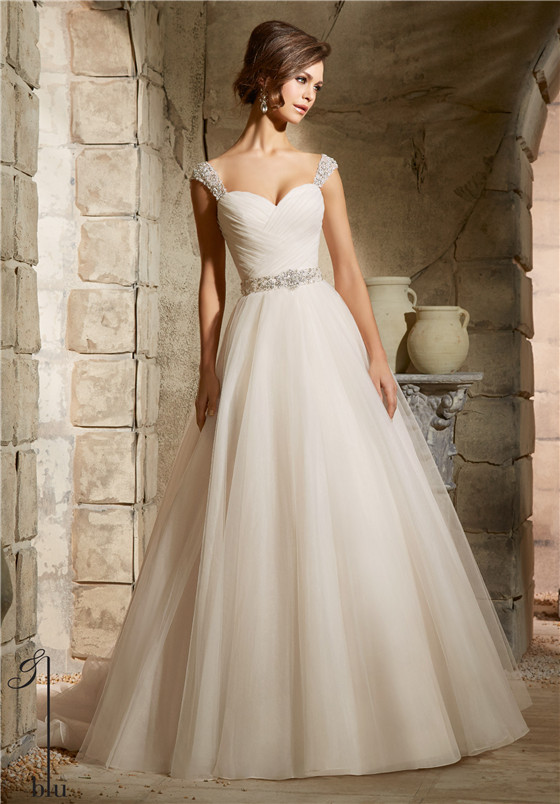 Bridal dresses suitable for large busts tips and top for Wedding dresses for big chest