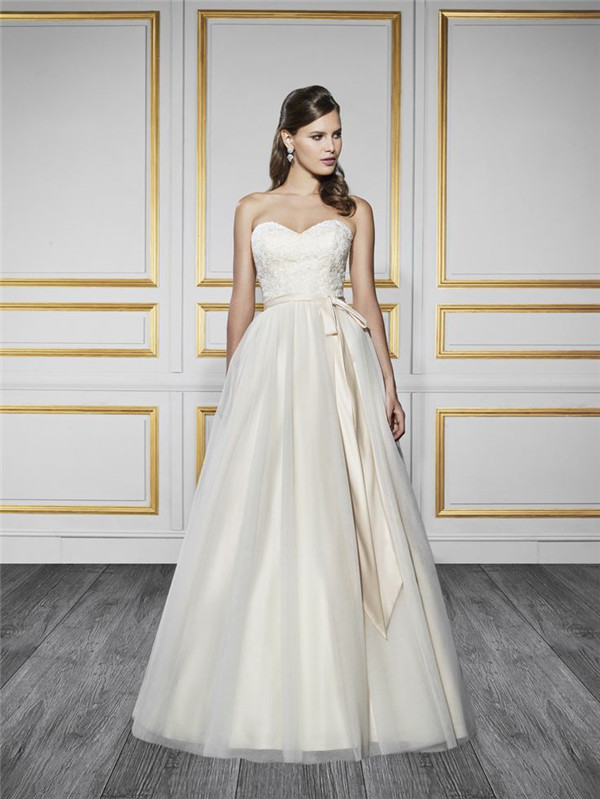 Style T727 This Enchanting Wedding Gown