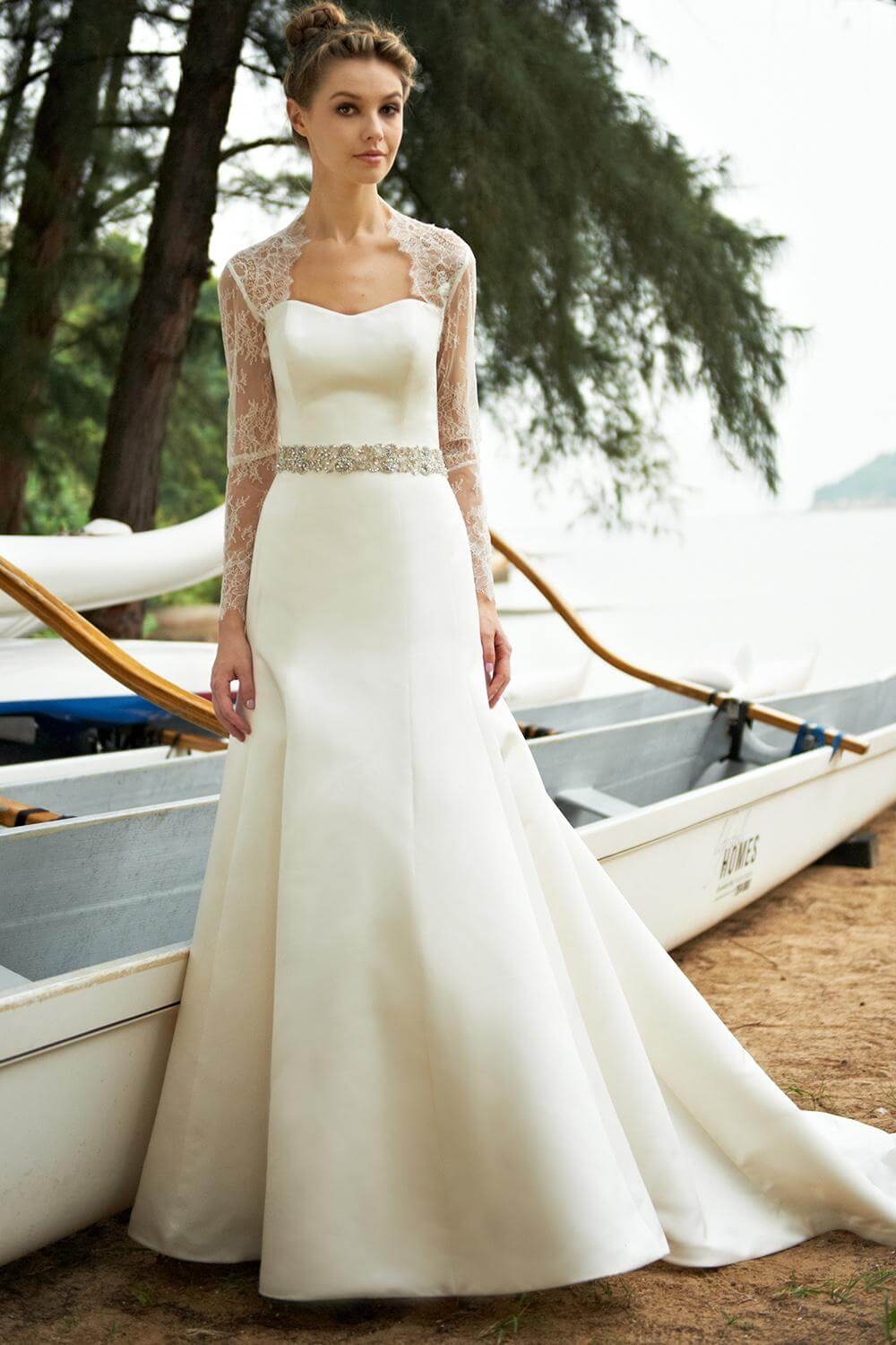 The best wedding dresses for brides with fat arms for Wedding dresses for tall skinny brides