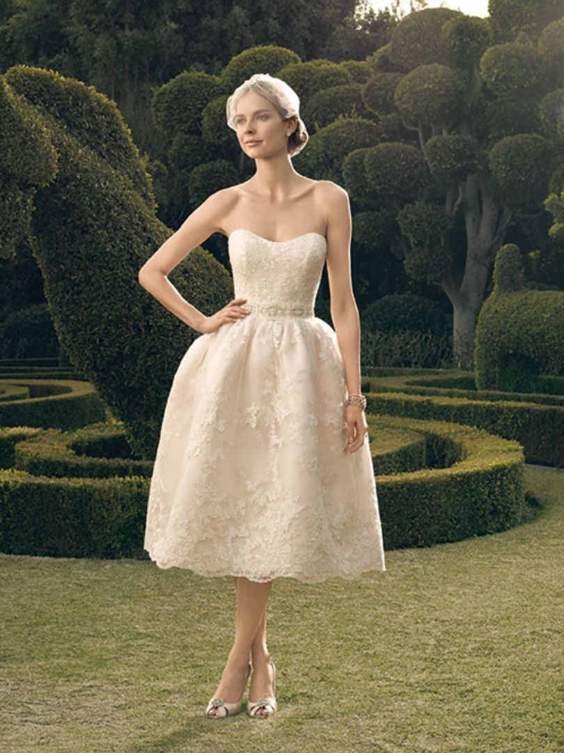 30 Recommendations of the Best Short Wedding Dresses - EverAfterGuide